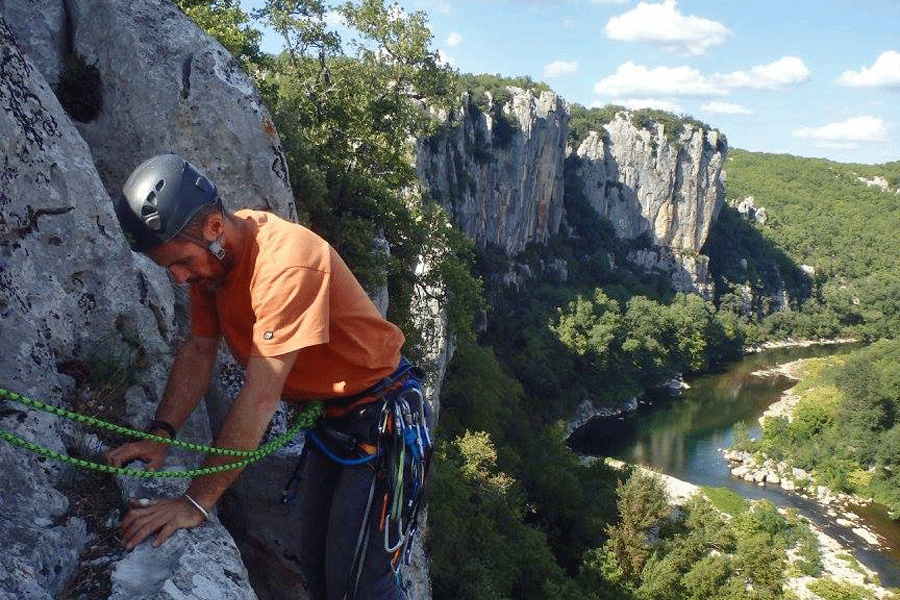 Perfectionnement à l'escalade dans le Chassezac (Lozère – Ardèche)