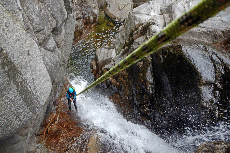 Stage de Canyoning et Spéléologie (Lozère – Ardèche)